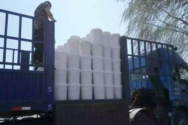 抗水剂装车